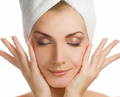 Сенсорный массаж лица, который способствует омоложению кожи