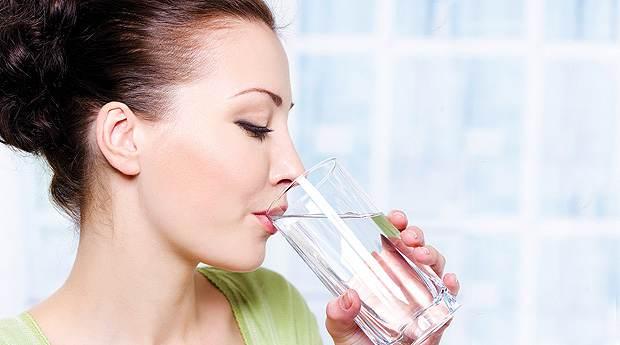 Сколько пить жидкости нужно для красоты?
